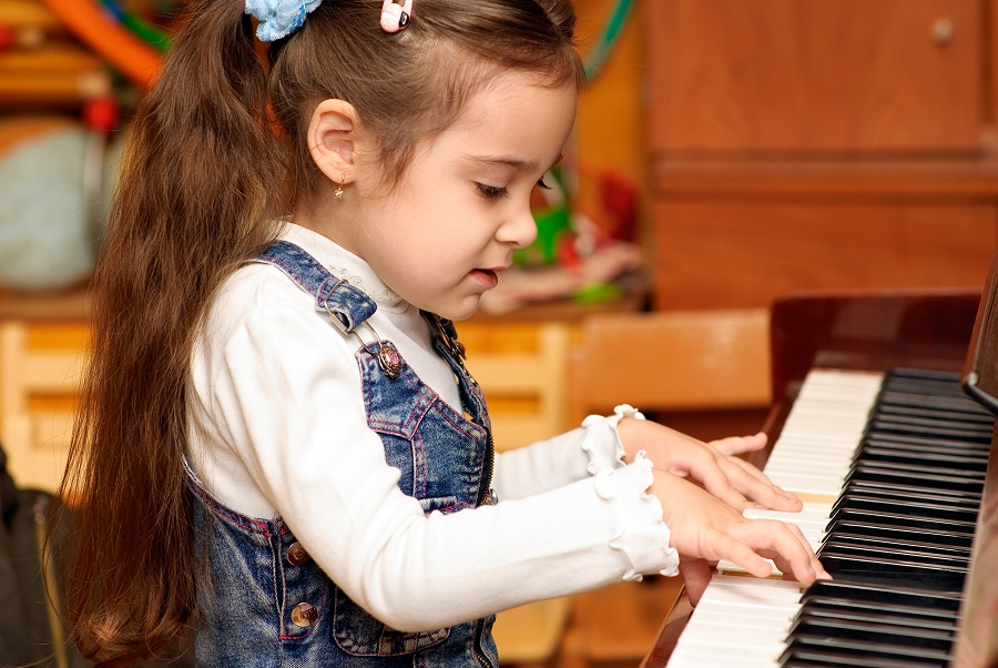 Help your daughter succeed at the piano